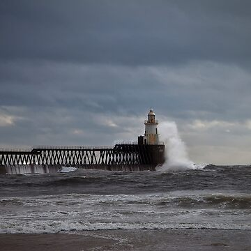 Rough seas at the harbour mouth by Violaman