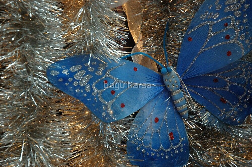 christmas ornament by bayu harsa