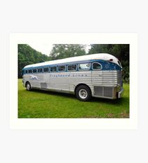 GMC PD 3751 Greyhound Bus (1947) Art Print