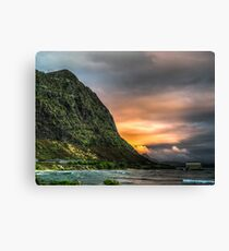 Oahu Contrasts (HDR) Canvas Print