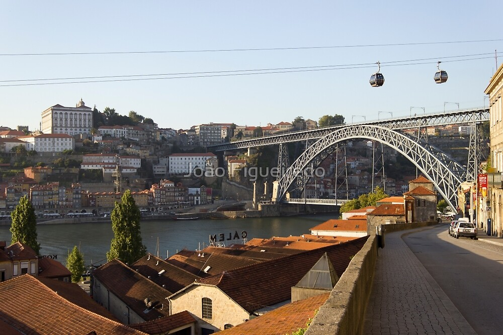 Gaia and Porto's downtown at sunset by João Figueiredo