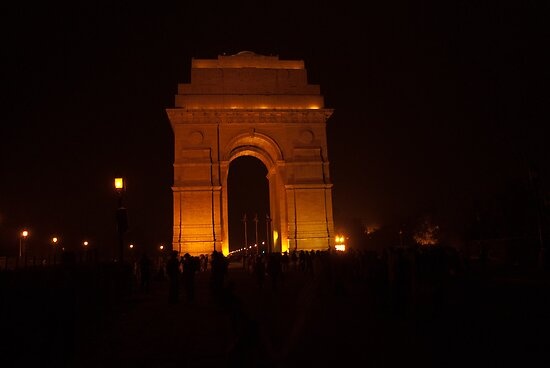 People gathered around India Gate by ashishagarwal74