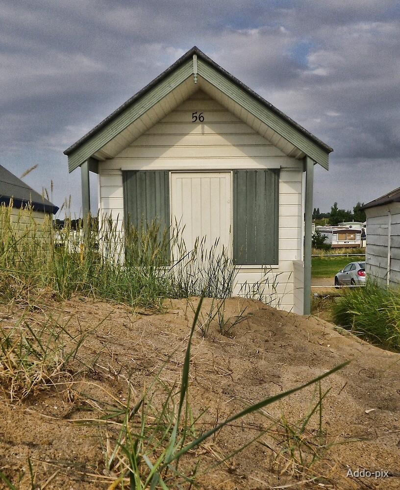 Beach hut  by Addo-pix