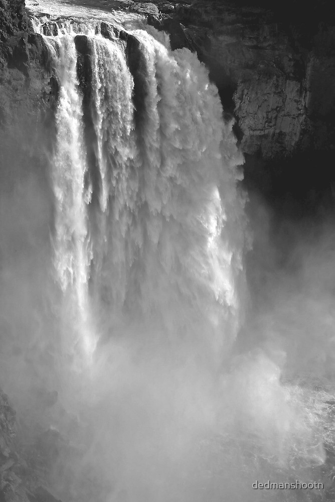 snoqualmie falls, washington, usa - july 24, 2012 by dedmanshootn