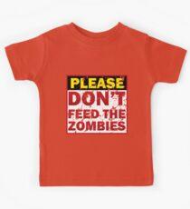 Don't feed zombies Kids Tee