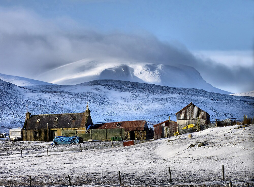 Highland Croft in Winter by jacqi