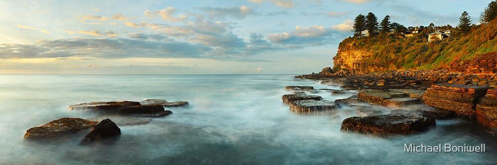 Avalon Rocks, Sydney, New South Wales, Australia by Michael Boniwell