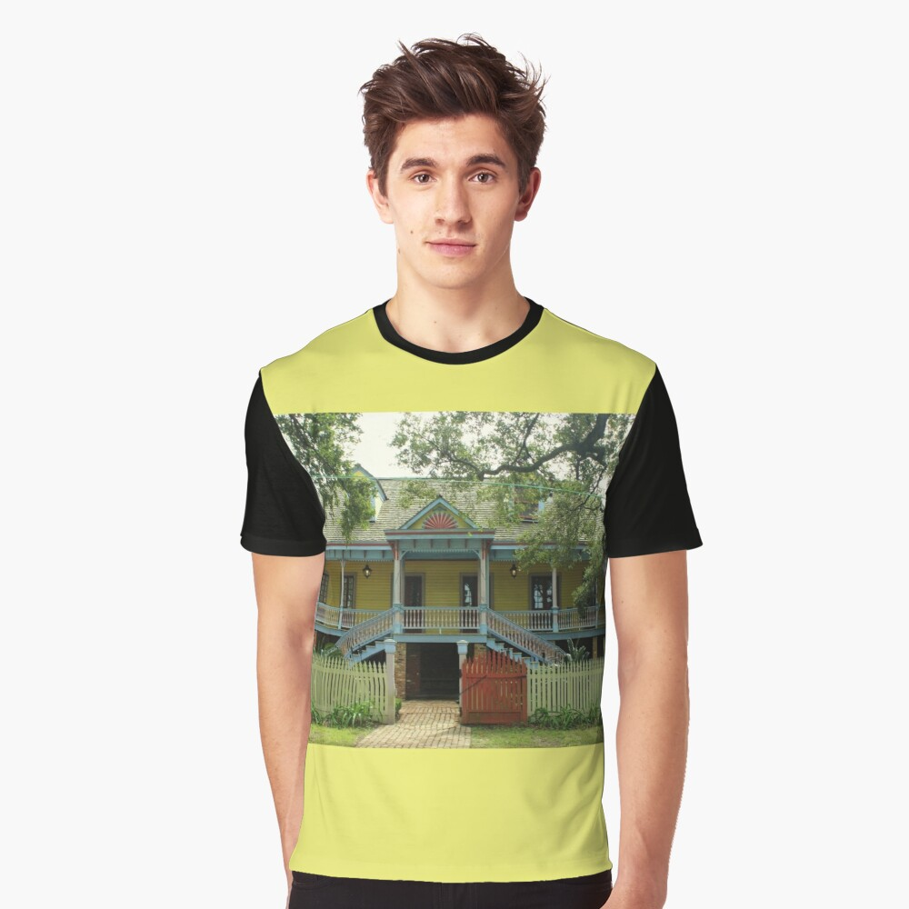 Laura Plantation In Vacherie, La Graphic T-Shirt Front