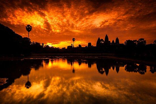 Angkor Wat Sunrise by hangingpixels