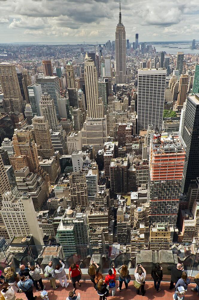 Tourists viewing downtown Manhattan by Gary Eason