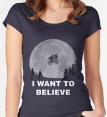 I Want To Believe In E.T. Women's Fitted Scoop T-Shirt