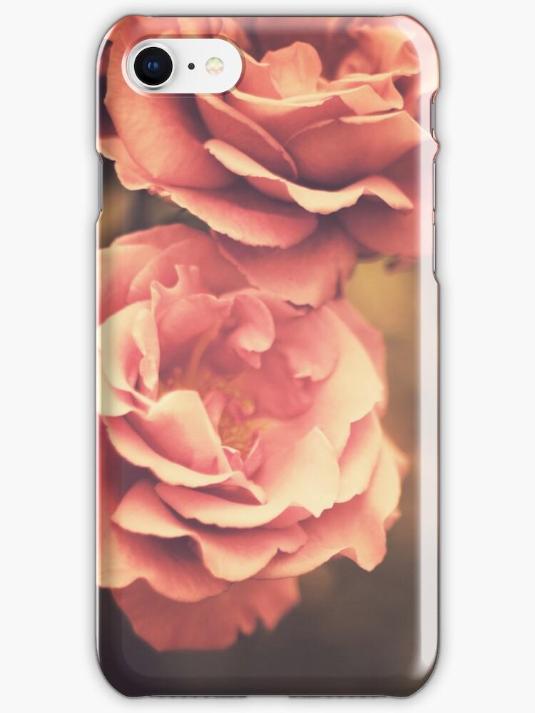 Pink Vintage Roses by Caroline Mint