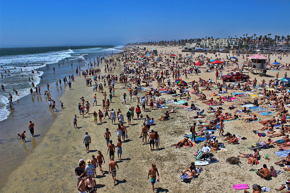 A high res photo on the day of the surfing final Aug 5, 2012 view north from pier.   by surfcityres