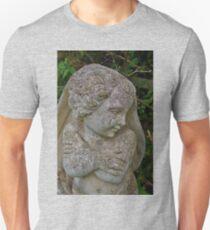It Ain't 'Arf Cold 'Ere! Unisex T-Shirt