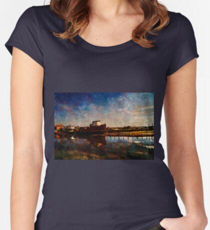 Bridport  Women's Fitted Scoop T-Shirt