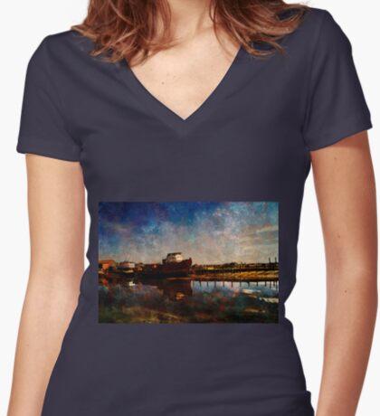 Bridport  Women's Fitted V-Neck T-Shirt