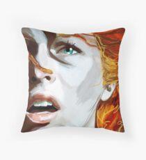 Leeloo Throw Pillow