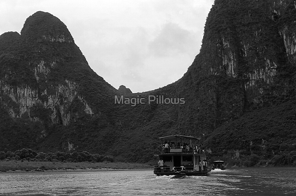BW China Guilin river boat 1970s by blackwhitephoto