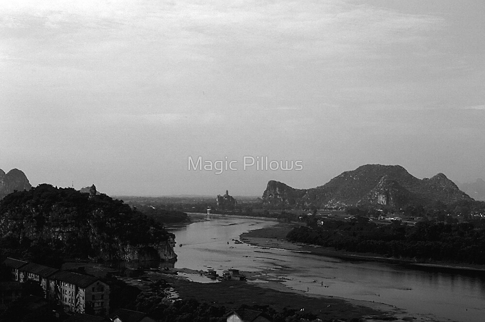 BW China Guilin Lijiang river 1970s by blackwhitephoto