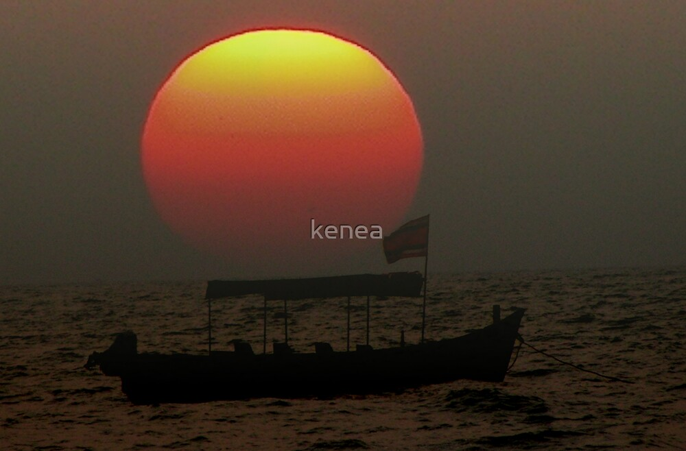 Fishing boat on its way back home, Goa, India by kenea