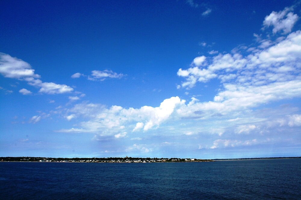 The blue sky is falling into the ocean! by sacalos