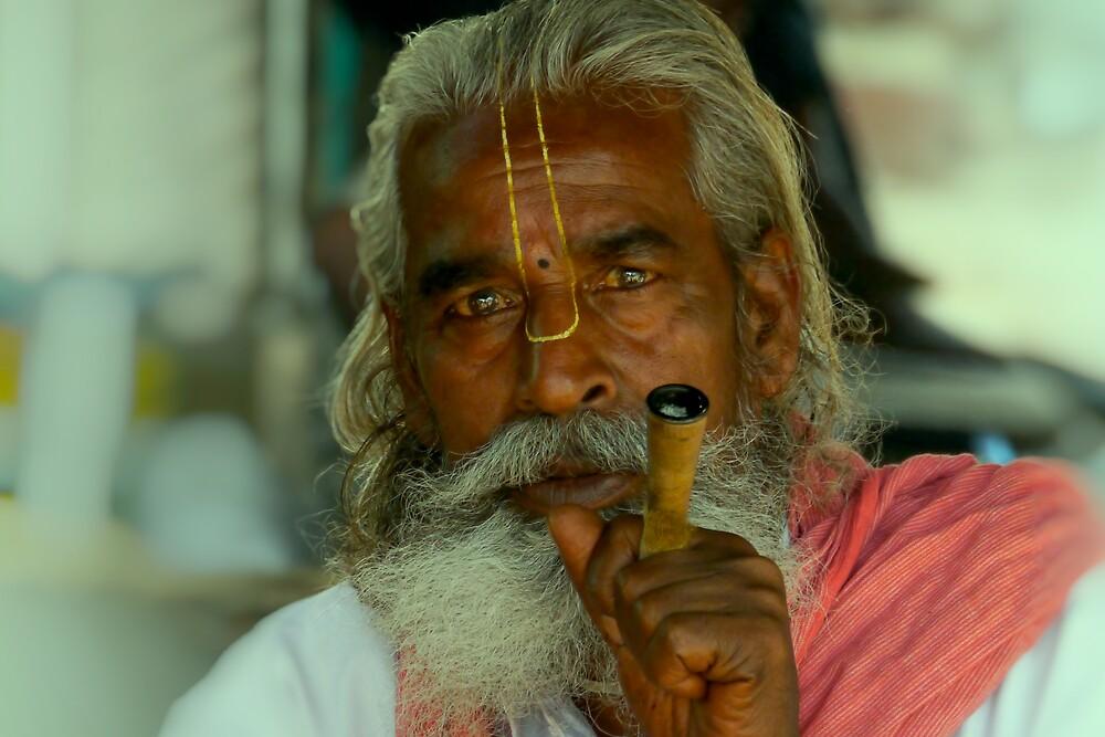 smoking the chillum by handheld-films