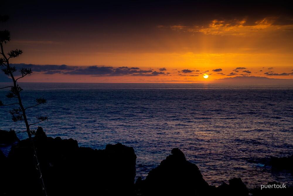 Sunset over La Palma 2 by puertouk