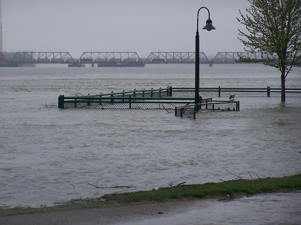 rising flood waters along Mississippi river by akk96