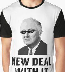 New Deal mit ihm Grafik T-Shirt