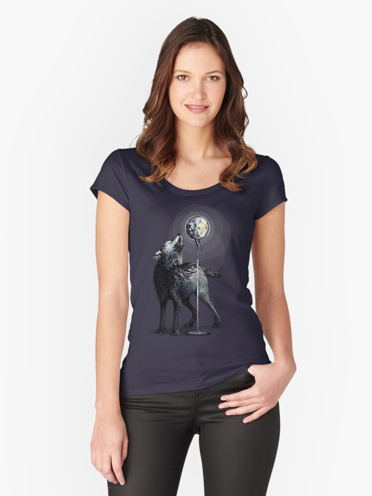 Howling at the moon Women's Fitted Scoop T-Shirt Front