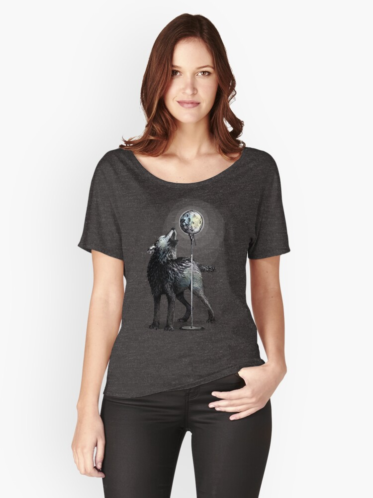 Howling at the moon Women's Relaxed Fit T-Shirt Front