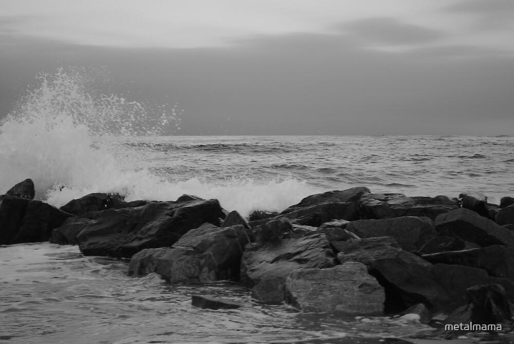 Waves by metalmama