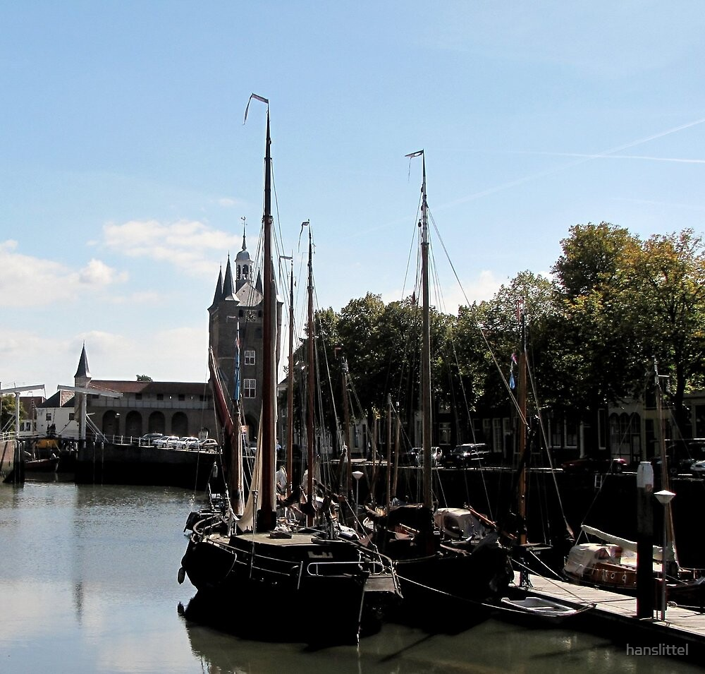 Museum port with view on the zuiderpoort Zierikzee by hanslittel