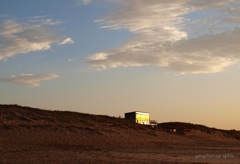 golden surf club by geophotographic