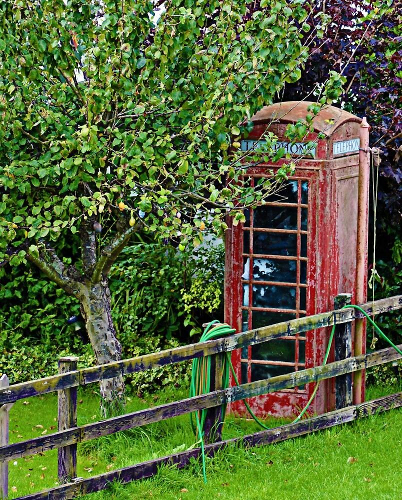 uk phone box  by welshmel