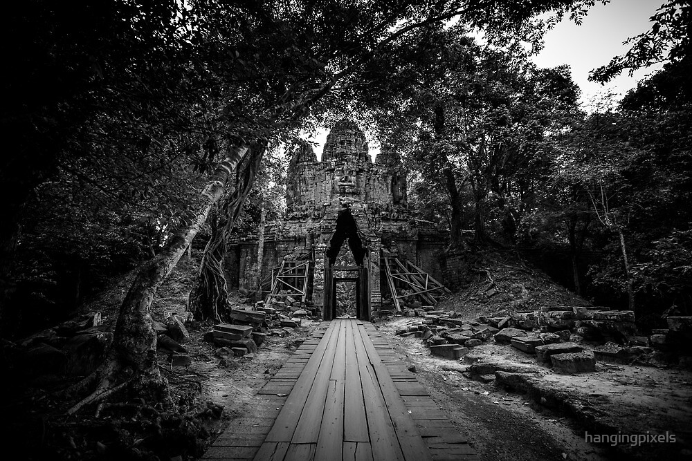 Angkor Thom West Gate - Front by hangingpixels