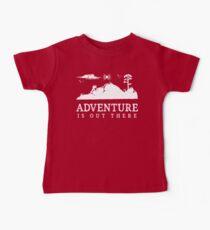 Abenteuer ist dort draussen gehendes wanderndes Trekking-T-Shirt Baby T-Shirt