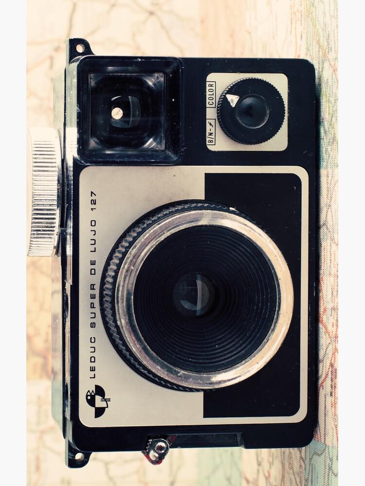 Retro - Vintage Pastel Camera on Beige Pattern Map Background von Andreka