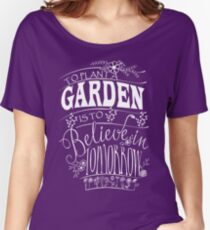 AWESOME GARDENING T SHIRT Women's Relaxed Fit T-Shirt