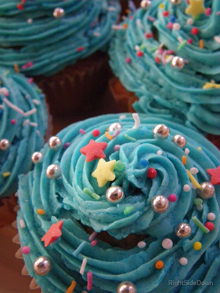 Cupcakes in Blue by RightSideDown