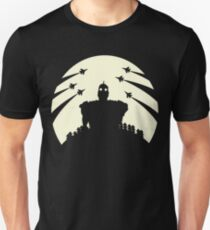 The Giant and the moon. Unisex T-Shirt