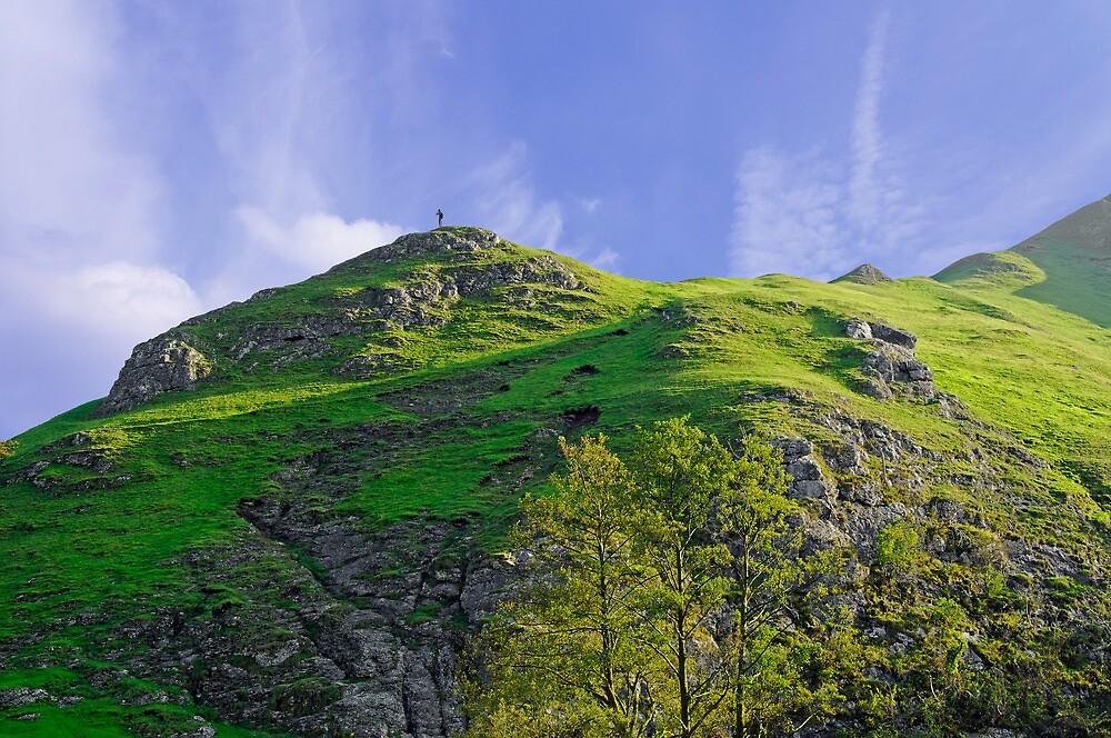 Thorpe Cloud Peaks, Dovedale  by Rod Johnson