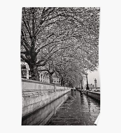 A stroll by the Thames - Great Britain Poster