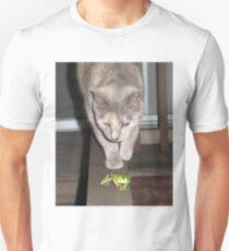 Feline on the Hunt ?  T-Shirt