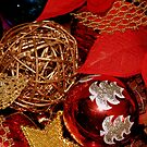 The Bauble Basket by Lou Wilson