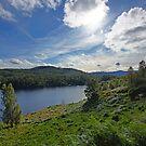 Loch Beinn a' Mheadhoin by TomRaven