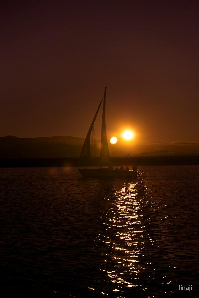 Two Suns by linaji