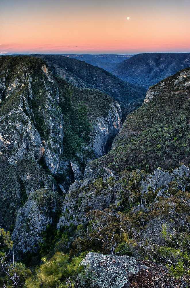 Bungonia Gorge Moonrise Sunset by Ian English