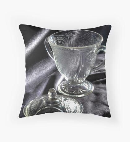 la beauté du verre Throw Pillow