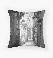 Sorrento street scene Throw Pillow